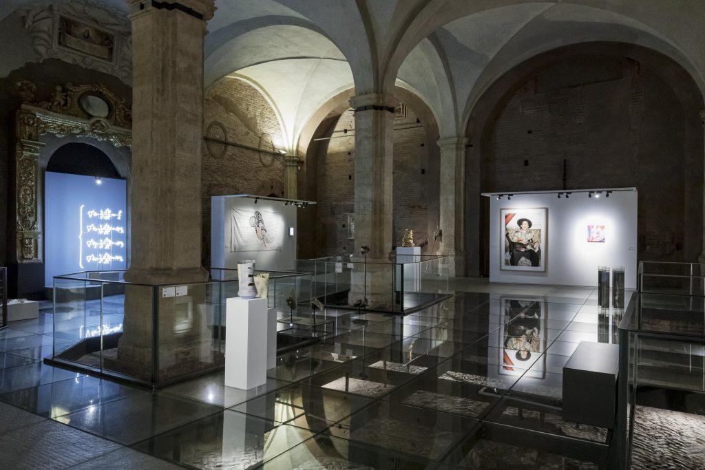 Bagaimana Direktur Pameran Seni Teratas Italia Menata Ulang Acara